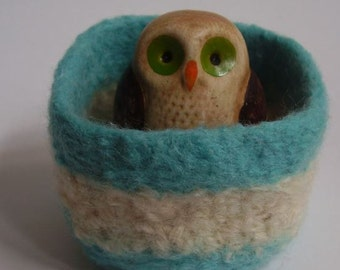 wee felted wool bowl container square ring holder jewelry holder desk organizer turquoise and cream