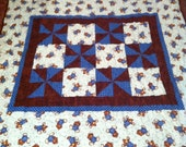 Teddy bear baby or toddler quilt