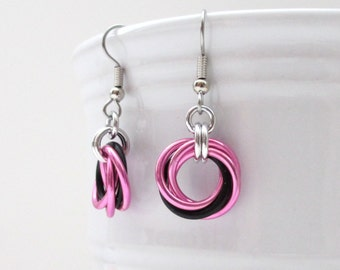 Love knot chainmail earrings, hot pink & black