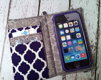 iPhone 3, 4, 4S, 5, iPod Touch 4G, 5 wallet with removable gel case - purple quatrefoil