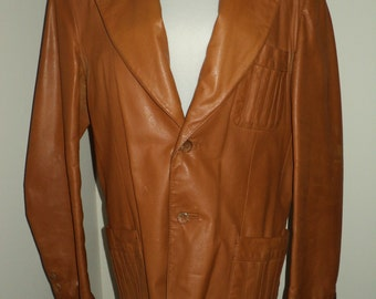 Vintage 1980 Leather Blazer in a Carmel colored leather with very wide Lapels, Seventies Style Blazer, Fully Lined Blazer in Mint Condition.