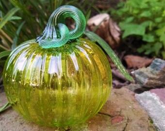 Glass Mini Pumpkin in Glossy Apple Green