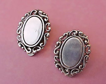 Lovely Pair of Vintage Sterling Silver Clip on Style Earrings