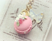 Macaroon jewelry, rose macaron necklace, handmade food necklace, whimsical jewelry, lolita accessories, gift under 20