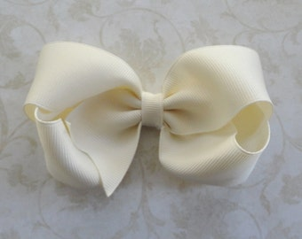 4 inch Ivory Grosgrain Twisted Boutique Bow -  Baby Hairbow - Girls Hairbow