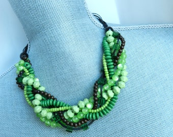 ShoRt NecKlacE - twist