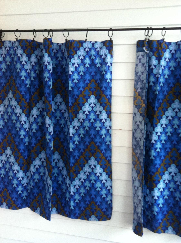 rideaux bleu vintage des rideaux motifs bleus rideaux. Black Bedroom Furniture Sets. Home Design Ideas
