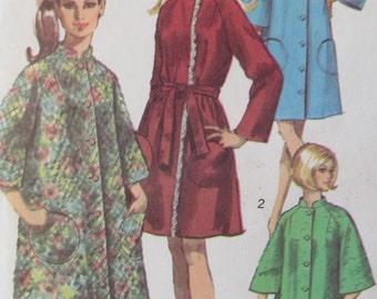 A Very Brady Sleepover Ladies Robe pattern 1960s Simplicity 8510