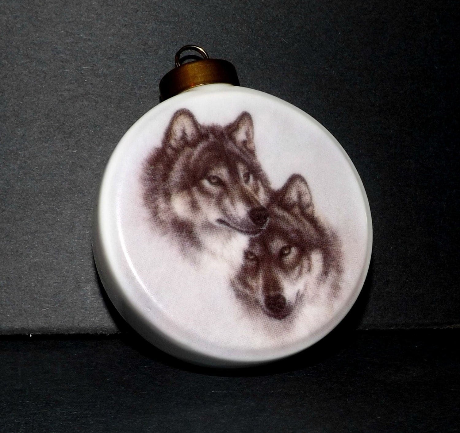 Wolf Christmas Ornament Porcelain Round Double Side Pictures