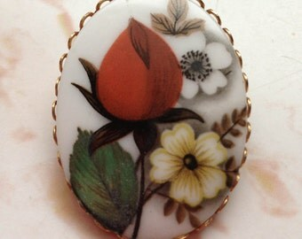 Vintage Ceramic Red Rose Bud Flower Brooch