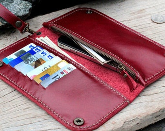 MRed wallet with zip 2 snap buttons and wristlet strap