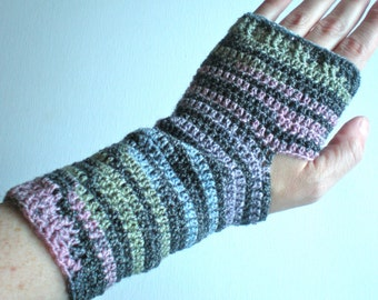 PATTERN: Tweety Pie Gloves, fingerless texting mittens, knit-look stretchy mitts,  InStAnT DoWnLoAd Permission to Sell