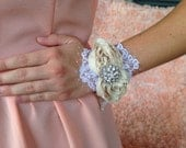 Corsage, hand corsages, Mother of the bride, mother of the groom, weddings accesories , bridal party, bridesmaids