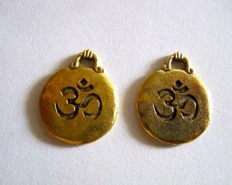 2 Ohm Antique Gold Disc Pendant
