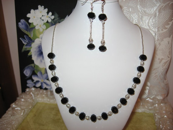 GORGEOUS BLACK Silver SWAROVSKI Crystal Evening wear Necklace and Earring set