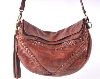 TRIANGULO. Brown leather crossbody bag / leather shoulder bag / bohemian crossbody / boho leather bag. Available in different leather colors