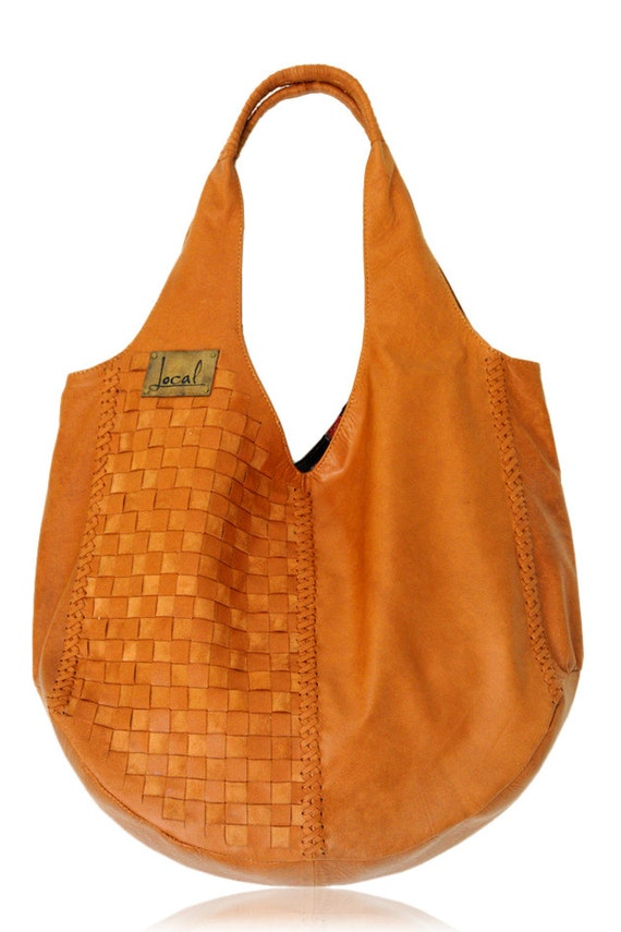 BELLA. Oversize woven shoulder bag / leather tote bag. Available in different leather colors.