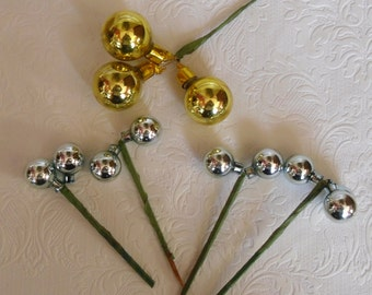 Vintage Christmas Glass Ornaments - 5 Glass Ball Picks - 1 Gold and 4 Silver