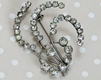 Stunning Vintage Silver Tone Metal Art Nouveau Flower Style Rhinestone Wire Pin Brooch - Kath