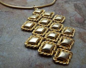 Necklace Runway Beautiful Focal Goldtone