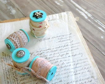 Lot of 4 vintage wooden spools -  paris blue - tea stained lace -  french country farmhouse bowl fillers- 1073