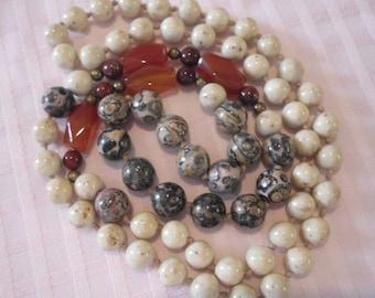 Vintage CARNELIAN, AGATE STONE Necklace