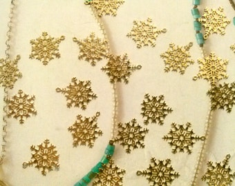 48 Goldplated Snowflake Charms