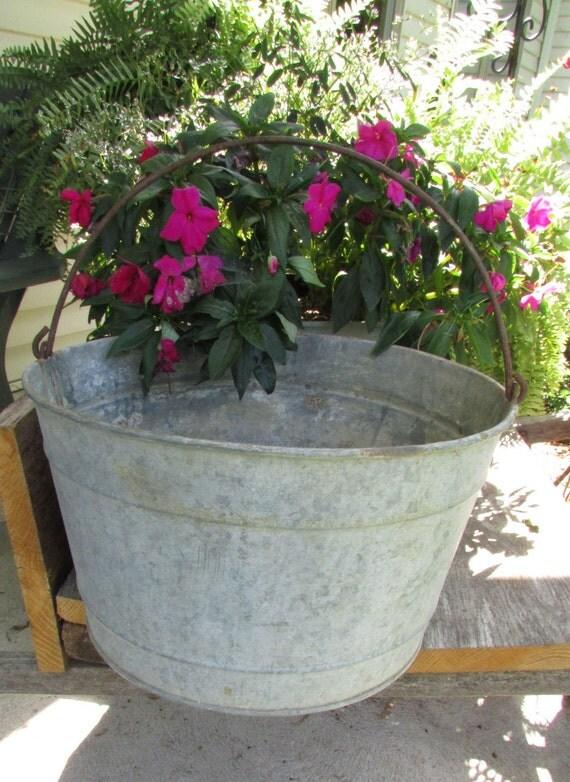 Vintage galvanized metal round bucket tub planter with metal for Metal bucket planter