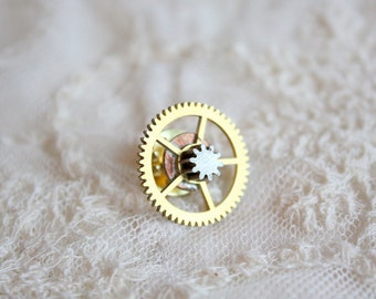 Steampunk Vintage Brass Five Spoke Time Lock Gear Pin