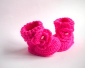 MADE TO ORDER - Pink Baby Girl Crochet booties, Warm Shoes, baby girl gift
