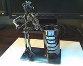 Recycled Metal Violinist Pen Holder