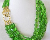 Vintage Kenneth Jay Lane KJL Green Emerald Glass Necklace Choker