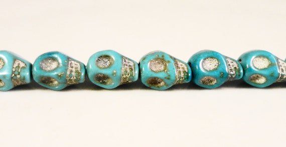 Stone Skull Beads 8x6mm Turquoise Blue (Dyed) Small Howlite Gemstone Halloween Skeleton Beads on a 7 1/4 Inch Strand with 25 Beads
