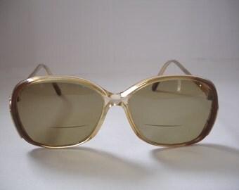 Vintage Women's tinted eyeglasses - See our huge collection of vintage eyewear