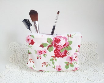 Make up bag, pencil case, clutch bag, cottage chic bag, cosmetic bag, purse, toiletries bag, floral bag, zipper pouch, rose, clarahandmade,