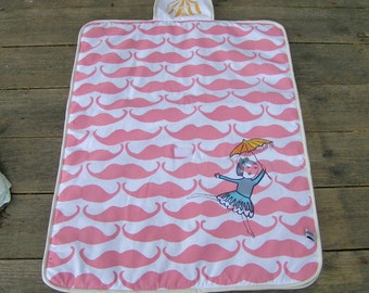 Sale - Screenprinted changing pad  Madame moustache