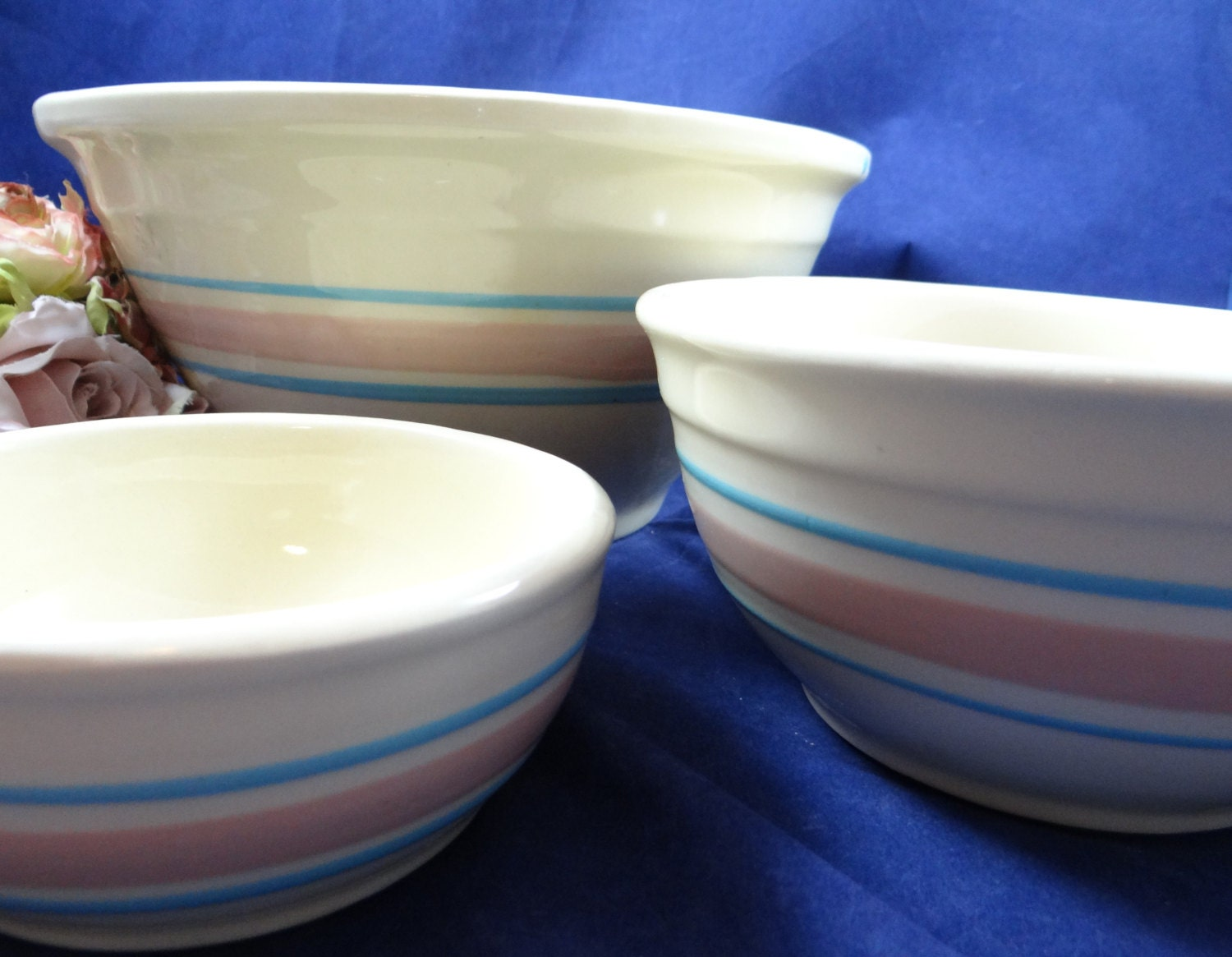 vintage 1970s mccoy pottery pink and blue nesting bowls usa