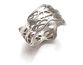 Sterling silver  NORA ring from the sabrawear collection.
