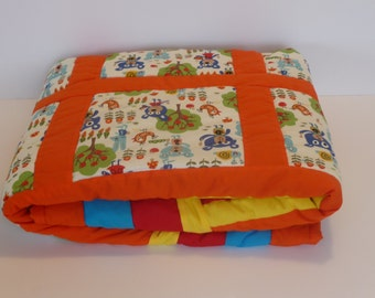 Baby quilt. Free shipping. A gift for born baby. Gift for birthday.