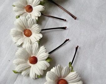 hair accessories. hair pins. bobby pins. flower hair pin. wedding hair pins. bridesmaids. flower girl. Daisy hair pins.