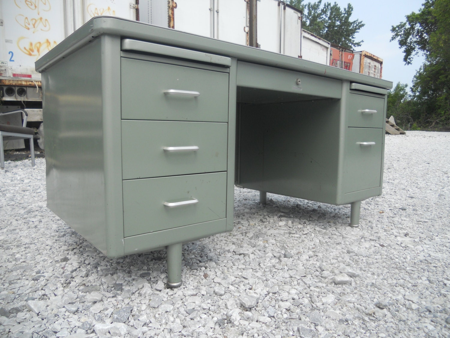 Free Shipping Vintage Metallic Green Metal Tanker Office Desk