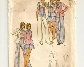 "A Long or Short Sleeve Blazer, Gored Miniskirt, and Straight Leg Cuffed Pants Sewing Pattern: Junior Size 9/10 Bust 30-1/2"" • Butterick 3054"