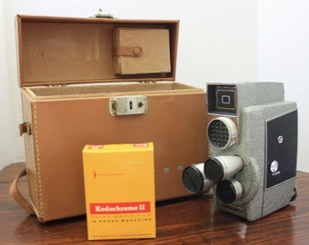 Vintage Revere Double 8MM Magazine Eye-Matic Movie Camera in Case with Film