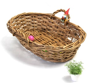 Straw home decor- vintage wicker basket- grandma's kitchen-  storage - industrial basket- natural- eco friendly vintage