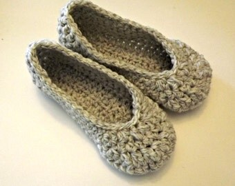 Crochet Womens slippers, gray and white all sizes