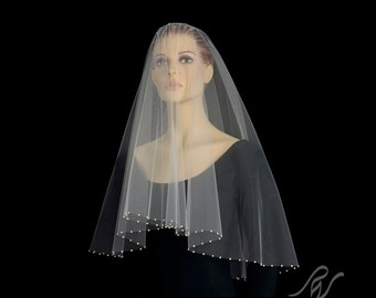 Drop Veil with One Inch Pearl Edge, Made With SWAROVSKI ELEMENTS