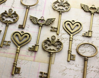 36 Large Vintage Style Keys Collection Antique Brass Wedding Key scrapbooking Wonderland party