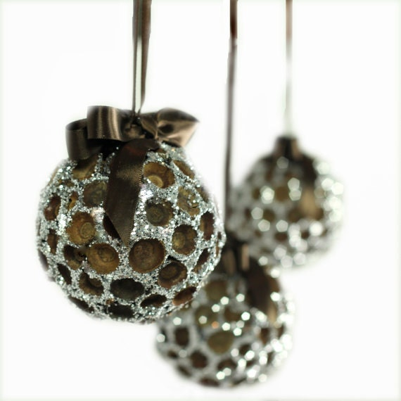 Christmas Tree Ornaments Etsy: Items Similar To Acorn Ornament With Glitter / Large Round