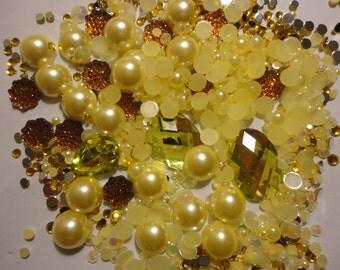 Tokimeki  mix with yellow rhinestones pearls and clear rhinestones  g  400 pcs