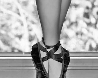 """Black and White Photography - ballerina en pointe, ballet photography, ballet wall art, black wall decor, gift, dancer - """"Counter Pointe"""""""
